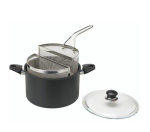 pentola antiaderente con due cestelli inox per cuocere la pasta.