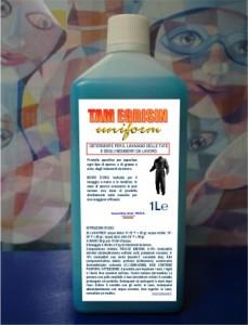 detergente lavatute, alto potere sgrassante,formula gelatinosa a solventi di origine naturale,specifico per indumenti da lavoro.ML1000
