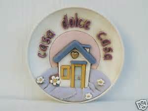 piatto a muro in ceramica- casa dolcecasa