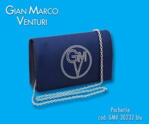 borsetta in raso blu, con logo centrale,catena per tracolla dorata. misura cm 19x12