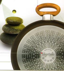tegame con 2 manici - diam cm 24 - rivestimento speciale con olio di oliva - fusione di alluminio adatta a tutti ifuochi - anche per induzione -