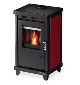 stufa a legna kw 9,5 - rivestmento in lamiera rossa - focolare in ghisa doppia combustione - ventilata - volume riscaldabile 228 mc - peso lordo 97 kg - scarico fumi diam. 120 -